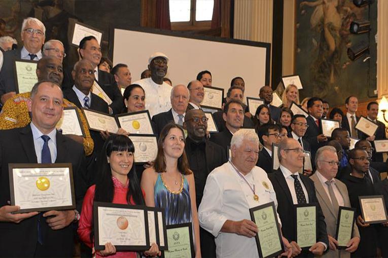 Cafés de Colombia ganan medallas en el 2do Concurso Internacional de café tostado al origen - Paris 2016